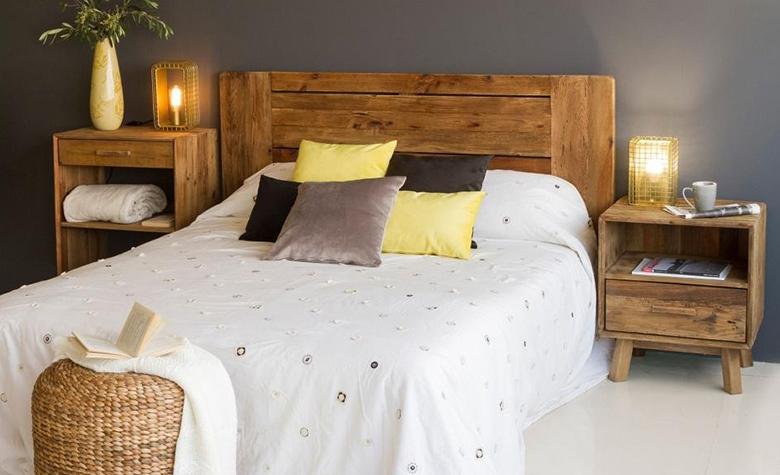 Осветление в спалнята: Наслояване на светлините, избор на крушки и други идеи за осветяване на модерна спалня