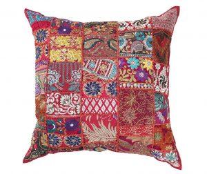 Декоративна възглавница Yantra Red Patch 52x52 см