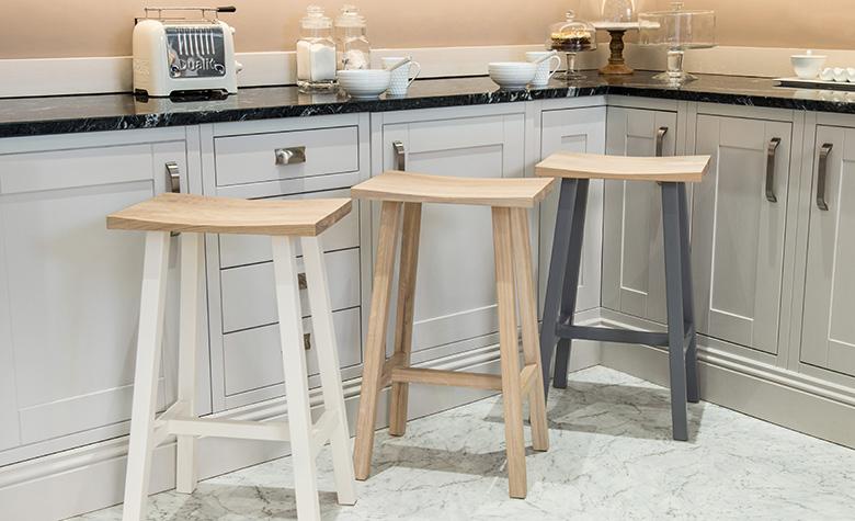 Как да избереш най-удобните бар столове в зависимост от техния размер и дизайн